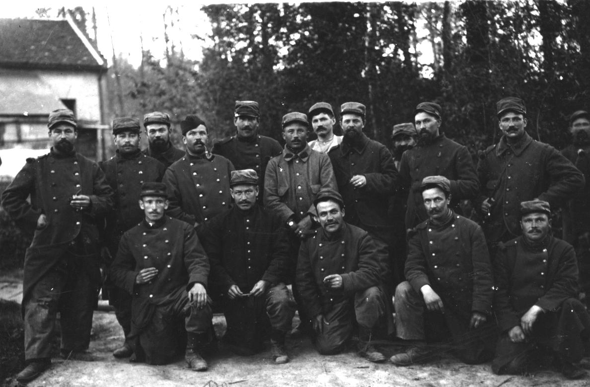 318e RI - Les gars de Quéménéven (Coll. P. Blaise)